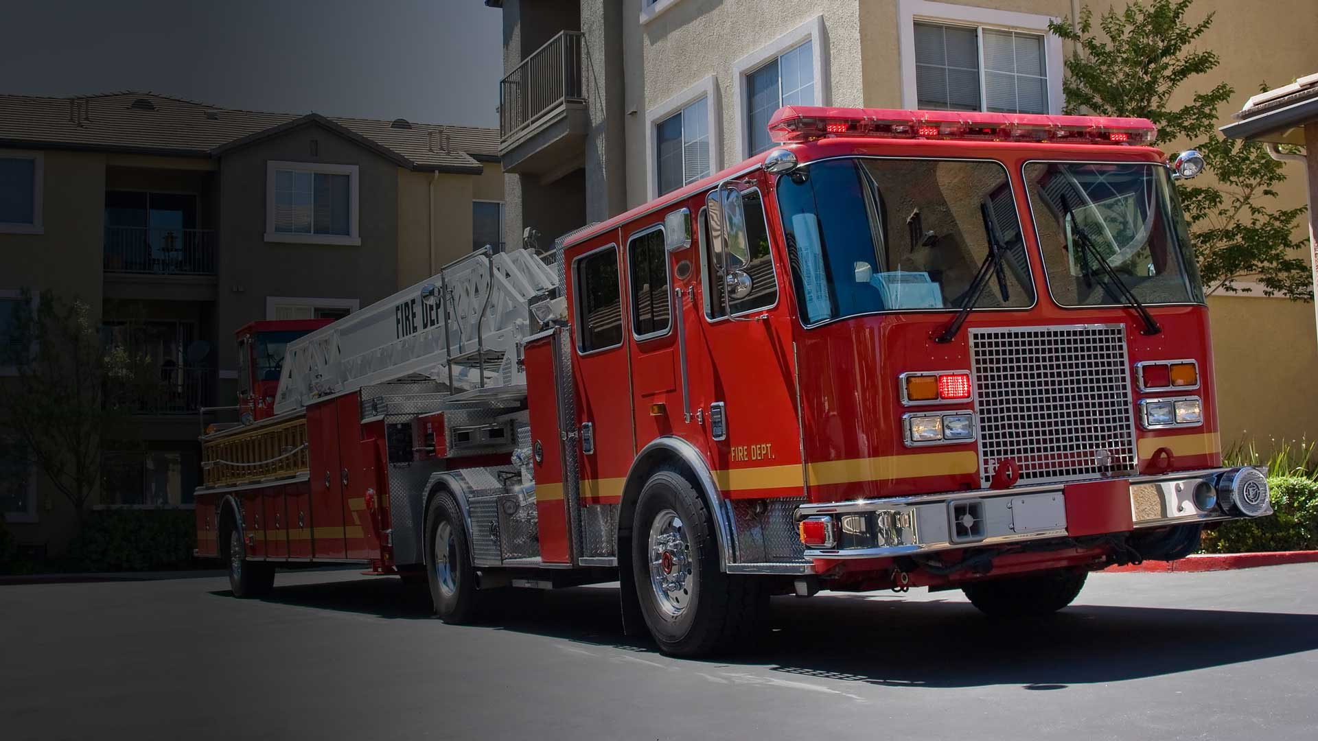 Commercial Electronics Genesis Pulse Firetruck Emergency Services